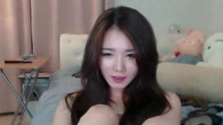 韓國妹妹的優良傳統 胸部大身材好 (32)