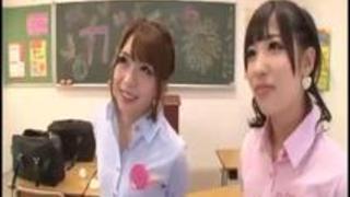ドM男教師とギャル痴女JK誘惑逆3P!麻里梨夏 栄川乃亜