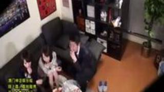 【盗撮】「激し過ぎるってぇ!」合コン2次会で自宅に連れ込んだハイレベル美女と乱交パコ!
