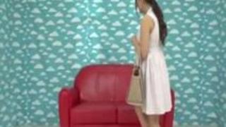 【巨乳動画無料】チェリー君のはじめての相手がこのエッロい身体つきの人妻、羨ましすぎだろwww