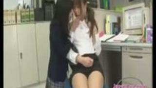 【瀬名あゆむ】職員室で女教師に悪戯するレズ女子校生