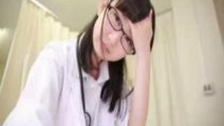【神坂ひなの】透明感半端無い保健室の先生が可愛い童顔を歪めてパコられる!