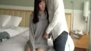 【鈴原エミリ】ベロチューされただけで濡れまくる、お嬢様女子大生と濃厚なセックス