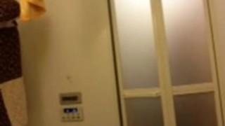 【女子校生閲覧注意】貧乳の女子校生JKの、閲覧注意プレイがエロい!!