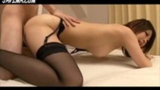 【お姉さん騎乗位】キレイなエロい美脚のお姉さんの騎乗位プレイ動画!!【pornhub動画】