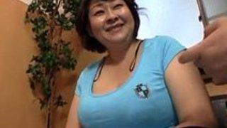 【xvideos】デブ豊満な熟女のフェラ無料エロ動画!【熟女動画】