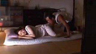 熟年夫婦の夜這いセックス!性に貪欲な濃厚ピストン