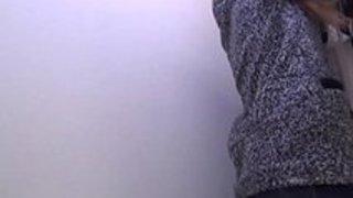 【おしっこxvideos盗撮動画】トイレに隠しカメラを設置し若い少女がおしっこしてるところを隠し撮りw イクイクXVIDEOS日本人無料エロ動画まとめ