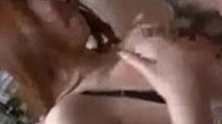 【熟女エロ動画】居酒屋内で宴会をしている隣の部屋で大胆セックス開始するカップル
