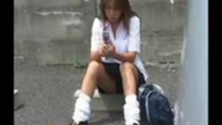 日本の女子高生パンチラ陰毛多毛
