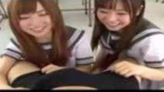 かわゆい姉妹の手ヌキとフェラでW顔射!!【成瀬心美長谷川しずく】