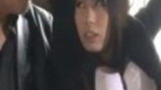 【川菜美鈴】手首を拘束された美女麻薬捜査官が抵抗できずにパンストを引き裂かれ、立ちバックでザーメン中出し