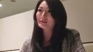 舞ワイフ長谷川妙子|寂しさからSNSを活用して不倫してる妖艶な人妻【竹内紗里奈】
