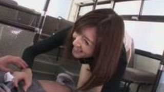 神波多一花バスに乗り込んだ美人の股間をスマホに撮ったら寄ってきてマンコを顔に突き出し無理やりセックス