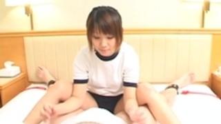 字幕付き日本の女子高生の顔面騎乗の女王様の世界