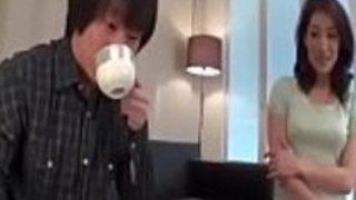 Full HD japanポルノ:zo.ee/4mPbV  - アジアマリーナマツモトは、日本の処女が彼女の体を楽しむことができました