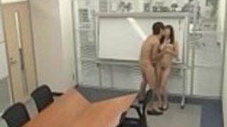 オフィスでの日本の狂った秘書のパブリックセックス - もっとElitejavhd.comで