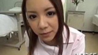 日本人の看護師は気分が良い口腔勤務をして一口を得る