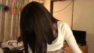 【凰かなめ主観】貧乳でパイパンの美人娘の、凰かなめの主観ハメ撮り個人撮影騎乗位プレイがエロい!【Sharevideos】