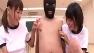 体操服姿でドのつく淫乱JKと教室3Pパコの挙句止まらない射精でおびただしい量のぶっかけw